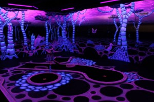 Sinneswandeln - black light mini-golf